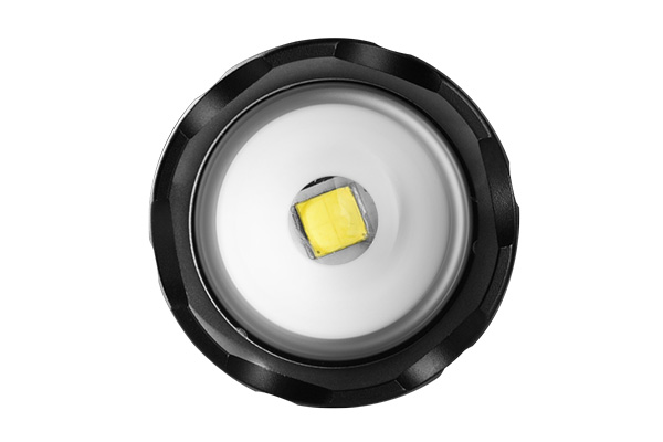 3000lumen CREE zoomable flashlights 12x AA batteries 3
