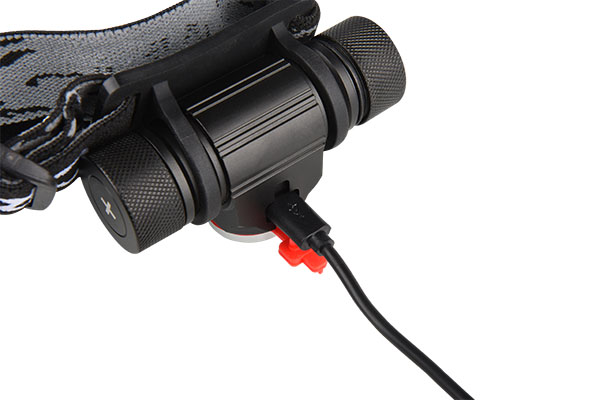 Head torch rechargeable 800LM with strobe and SOS mode 3